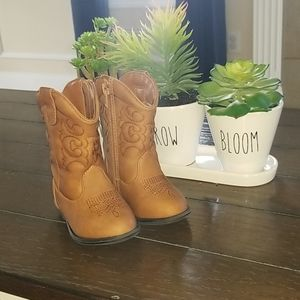 Cat and Jack Boots